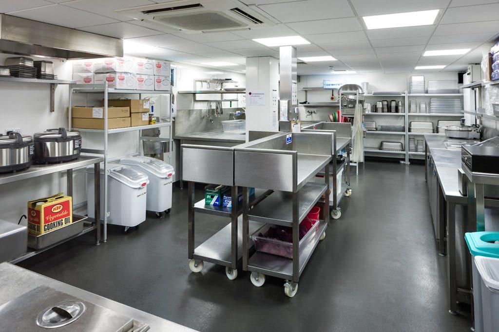 تجهیز آشپزخانه های صنعتی